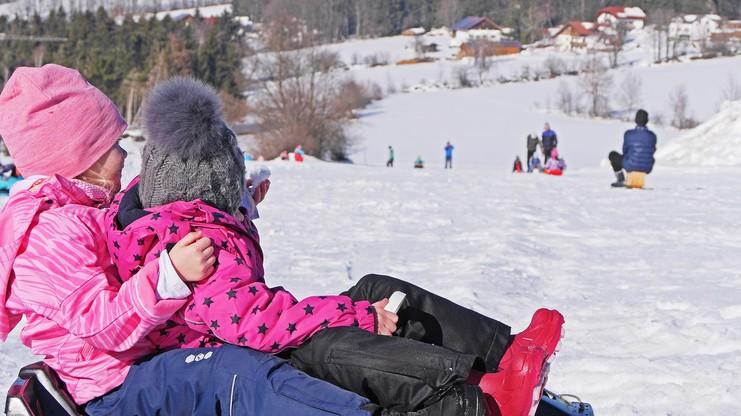 Schlittenfahren in der Kinderskiwelt Geiersberg